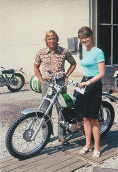 Mick Andrews Bultaco Motorcycles, Cars And Motorcycles, Moto Bike, Motorcycle Art, Motos Trial, Motocross Riders, Trial Bike, Vintage Motocross, Bmw