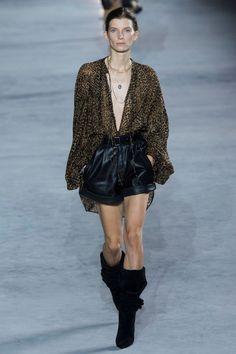 Leopard Print | Leather Short | Slouchy boots | Défilé Saint Laurent Printemps-été 2018 40