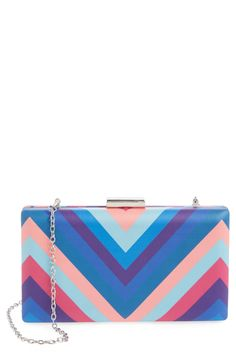 Digging the retro vibe from this printed box clutch. The bold chevron stripes make it such a standout!