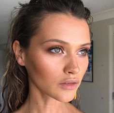 Make Up Summer Look Picture Description Spent yesterday shooting this French beauty, for with Josie Clough from IT'S NOW Love Makeup, Makeup Inspo, Makeup Inspiration, Makeup Tips, Bb Beauty, French Beauty, Beauty Makeup, French Makeup, Bridal Makeup