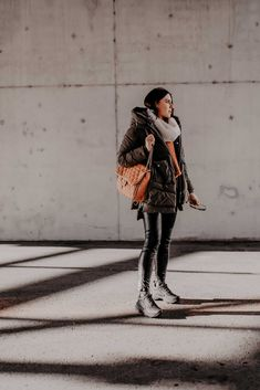 Fair-Fashion: Darum liebe ich die Jacken von Embassy of Bricks and Logs! Casual Chic Outfits, Fashion Weeks, German Fashion, Christmas Fashion, Outfit Of The Day, Winter Outfits, Fashion Bloggers, Fashion Trends, Street Style