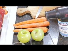 (2) Terapia Gerson. Jugo de zanahorias con manzana verde. Usando la Prensa hidráulica. - YouTube