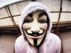 Anonymous consegue sequestrar computadores da Anatel  Matéria completa: http://canaltech.com.br/noticia/hacker/anonymous-acaba-de-conseguir-sequestrar-computadores-da-anatel-71801/ O conteúdo do Canaltech é protegido sob a licença Creative Commons (CC BY-NC-ND). Você pode reproduzi-lo, desde que insira créditos COM O LINK para o conteúdo original e não faça uso comercial de nossa produção.