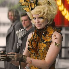 I can't even handle this still of Effie.