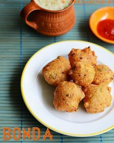 Learn how to make this with full video ! This bonda one is an easy version with simple ingredients that you can whip up within minutes and tastes wonderful. With simple ingredients such as besan / Kadalai maavu/ chickpea flour, rice flour, sooji (Rava), onion, green chilli, ginger, asafoetida and curry/ coriander leaves, and a simple procedure, even bachelors can make this easily.