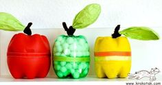 Cute apple craft idea using recycled bottles Kids Crafts, Fall Crafts, Diy And Crafts, Craft Projects, Arts And Crafts, Plastic Bottle Crafts, Recycle Plastic Bottles, Recycling, Reuse Recycle