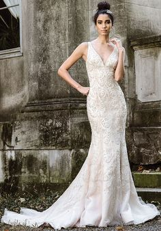 Justin Alexander Signature Wedding Dresses - Search our photo gallery for pictures of wedding dresses by Justin Alexander Signature. Find the perfect dress with recent Justin Alexander Signature photos - Page Wedding Dress Sizes, Princess Wedding Dresses, Bridal Wedding Dresses, Gatsby Wedding, Bling Wedding, Modest Wedding, Fall Wedding, Justin Alexander Signature, Justin Alexander Bridal