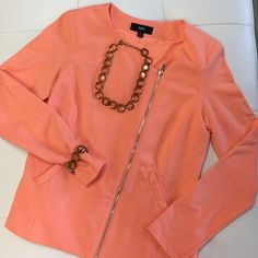 MOSSIMO Blouse Perfect for business casual or a pair of jeans! Bracelet and necklace not included, but are available in separate listing Mossimo Supply Co Jackets & Coats Blazers