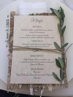 10 Country/Shabby chic menu with bark base Country Chic Decor, Shabby Chic Wedding Decor, Rustic Wedding, Rustic Chic, Wedding Menu Cards, Wedding Stationery, Wedding Table, Wedding Shot, Wedding Dj