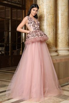 CRISTALLINI - Sequins sewn on tulle Swan Feathers Tulle - Italy Silk touch lining Dry clean Shown color: pink Ball Gown Dresses, Prom Dresses, Wedding Dresses, Wedding Outfits, Estilo Glamour, Peplum Gown, Dresser, Haute Couture Dresses, Luxury Dress