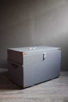 Meuble de metier ancien frigo de boucher adrians pinterest for Entreposage de meuble