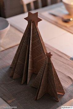 joulu,adventti,adventtikynttelikkö,kattaus,vanha kirja,pellavaliina,keittiö,juhlakattaus