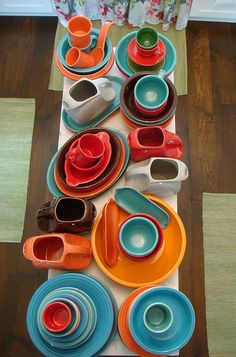 Fiesta / Fiestaware fun! These colors (persimmon, tangerine, peacock, turquoise) really look great together.