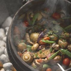 Enjoy this scrumptious vegetarian recipe for a South African favorite - Mushroom Potjie Healthy Diet Recipes, Vegetable Recipes, Vegetarian Recipes, Spicy Recipes, Healthy Eating, South African Recipes, Mexican Food Recipes, Indian Recipes, Grilling Recipes