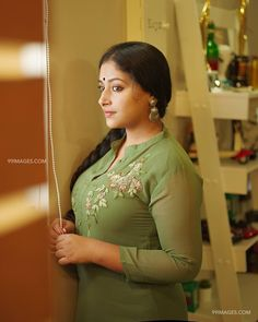 Anu Sithara is an Indian film actress who appears in Malayalam cinema.Anu Sithara is also known as junior Kavya Madhavan. Beautiful Muslim Women, Beautiful Girl Indian, Most Beautiful Indian Actress, Beautiful Girl Image, Beautiful Figure, Beautiful Saree, Beautiful Ladies, Cute Beauty, Beauty Full Girl