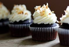 Nutella-Filled Cupcakes