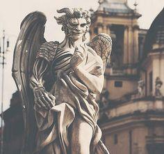 Angels and Demons statue, Piazza Del Popolo. Rome, Italy. (via TumbleOn)