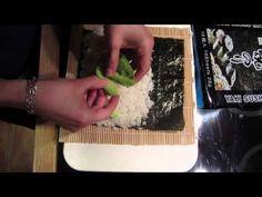 Vous rêvez de pouvoir réaliser des sushis aussi parfaits que ceux que vous commandezau restau jap' ? Cette recette ultra-simpleva grandement vous faciliter la vi...