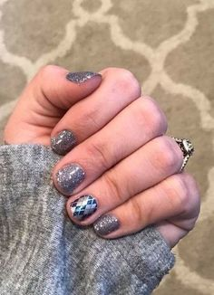 Tinseltown with College Town accent #NailArt #NailFashion #NailStrips http://nailcolorstrips.com/product/college-town-color-street-nail-polish-strips/