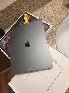 Ipad Pro 12 9, New Ipad Pro, Apple Watch Accessories, Iphone Accessories, Smartwatch, Apple Laptop Macbook, Macbook Pro, Cool New Gadgets, Apple Mobile Phones