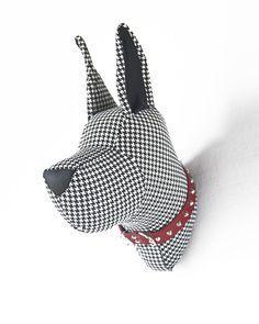 Faux taxidermy, G erman Dogo Animal Head Decor, Animal Heads, Fabric Toys, Fabric Art, Felt Animals, Animals For Kids, Sewing Art, Sewing Crafts, Taxidermy Dog