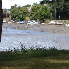 View from the car at baby sensory  #truro #malpas #view #boats #mud #cornwall #ilovecornwall #kernow #kcacols #tribalchat #ukparentbloggers #366project #rachelbustinblog #bloggerslife #photography #photo