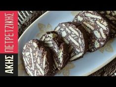 Chocolate salami by the Greek chef Akis Petretzikis. A quick and easy recipe for a delish dessert with dark chocolate, hazelnuts, and cookies! Greek Sweets, Greek Desserts, Cold Desserts, Greek Recipes, Greek Meals, Keto Desserts, Chef Recipes, Sweets Recipes, Raw Food Recipes