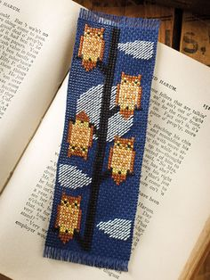 New cross-stitch designs will be at your fingertips throughout 2018 with this charming calendar featuring elegant and delightful cross-stitched bookmarks! Each month will bring you a colorful, quick-to-stitch project to brighten up your reading nook....