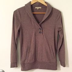 Banana Republic Pullover Banana Republic Pullover sweatshirt. Has front pouch and cute button details. Worn just a few times and is perfect condition. Is a heathered brown color. Banana Republic Sweaters