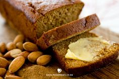 The Mila's Meals gluten-, dairy- and sugar-free adaptation of a Dutch classic! Ontbijtkoek (Dutch for Breakfast Cake) is more of a spiced bread than a cake, and with my addition of butternut it makes for a wholesome and nutritious breakfast or afternoon snack.