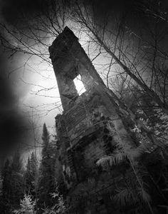 Summerwind Mansion, Wisconsin / Haunted Mansion Mansion Mansions Architecture Halloween