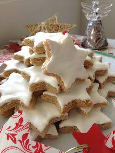 biscuit Noel, étoiles, amandes, cannelle, Christmas Baking, Christmas Time, Merry Christmas, Cooking Cake, Vegan Desserts, Gingerbread Cookies, Cinnamon, Yummy Food, Sweet