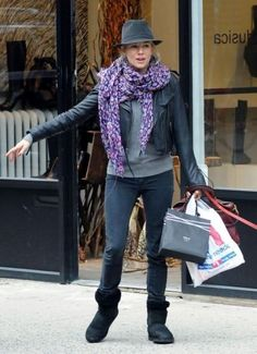 Sienna Miller Uggs Celebrity Style Women's Fashion 2 by How Celebs Wear It, via Flickr http://www.howcelebswearit.com/ugg-boots/