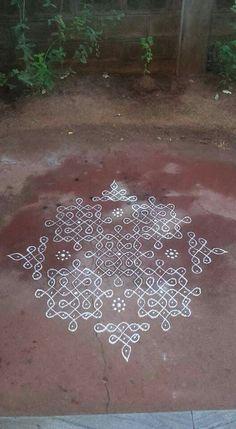 - Rangoli with Dots Rangoli Colours, Rangoli Patterns, Rangoli Kolam Designs, Rangoli Designs Images, Rangoli Ideas, Kolam Rangoli, Flower Rangoli, Beautiful Rangoli Designs, Indian Rangoli