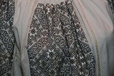 "Cămăși românești din marile muzee ale lumii, la Expoziția ""Ia aidoma"", de la Hanul Domnesc Folk Costume, Costumes, Folk Embroidery, Shirt Dress, Blouse, Traditional Dresses, Skirts, Mens Tops, Europe"