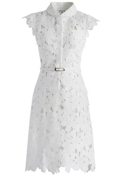 This belted white shift dress is a awesome choice to team with your heels. Cut to above knee length, all flower cut out construction with a slim belt accenting the silhouette. - Concealed snap fastening on upper front- Concealed side zip closure- Lined, with belt- Shell:100% Cotton Line:100% Polyester- Hand wash Size (cm) Length Bust WaistS              99          88     66 fits for US0/2 UK6/8 EU34/36M            100        92      70 fits for US4/6 UK10 EU38L           ...