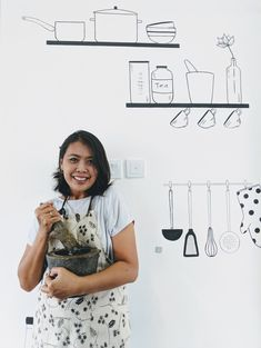 Shelly learned to cook from her Grandma, when she was just a little girl. She comes from Makassar, Sulawesi and the food is some of the best that Indonesia has to offer.