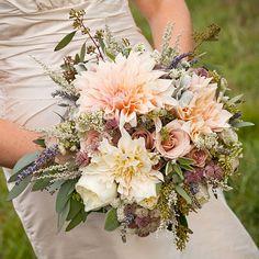 Dahlia wedding flowers http://flowersandbunga.blogspot.com/2014/05/dahlia-wedding-flowers.html