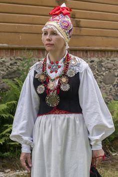 Eesti Rahvarõivad > Pärnu naine
