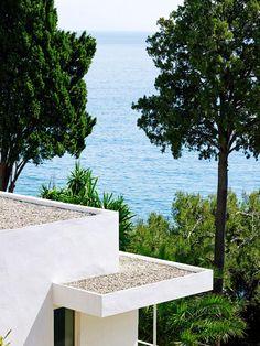 Visite confidentielle de la villa d'Eileen Gray, pionnière du design | Le Figaro Madame