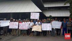 Gubernur Ganjar Diminta Setop Pabrik Semen di Rembang - CNN Indonesia