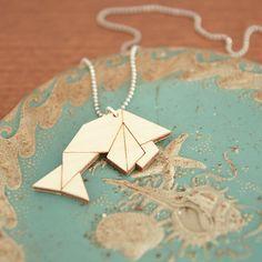 Origami vis ketting ~ Lasercut uit berken hout ~ Geometrische hanger ~ In cadeauverpakking