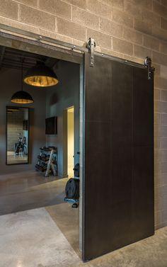 Image 24 of 31 from gallery of Royal House Recording / Saroki Architecture. Photograph by Jared Chulski Photography Minimal House Design, Minimal Home, Modern Design, Window Design, Door Design, Futuristic Home, Loft Interior Design, Studio Living, Industrial Interiors