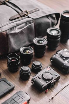 Fujifilm X-Photograp Fujifilm X-Photographer Bryan Minear shares how he packed his Camps Bay backpack for a recent trip to California along with insight into how he captures surreal landscapes. Fuji Camera, Camera Nikon, Camera Gear, Canon Cameras, Polaroid Cameras, Camera Backpack, Camera Bags, Canon Lens, Photography Equipment