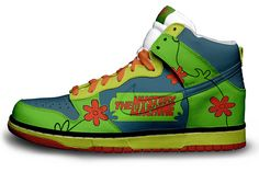 I really like this shoe. I grew up with Scooby doo so I would totally wear these shoes. However, the mystery machine logo feels unnecessary and the swish looping to the back looks out of place it the green. Nike Free Shoes, Nike Shoes, Sneakers Nike, Nike Footwear, Men's Shoes, Scooby Doo, Custom Painted Shoes, Custom Shoes, Nike Custom