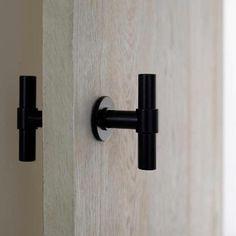Bath Room Design Black Hardware New Ideas Home Interior, Interior And Exterior, Interior Designing, Bathroom Interior, Black Door Handles, Pocket Door Handles, Joinery Details, Bathroom Doors, Bathroom Door Handles