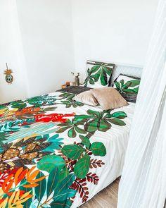 Carré Blanc (@carreblancparis) • Photos et vidéos Instagram Decoration, Comforters, Blanket, Bed, Nature, Photos, Instagram, Home, Bedding