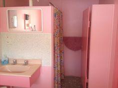 lsjournal:  pink bathroom in a 70s motel, christmas 2013