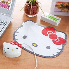*WANT!* >.<...well maybe not the mouse cause it would be hard to use, but the pad! YES!
