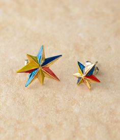Color star earrings / パルナートポック キネシス・ピアス shopstyle.co.jp